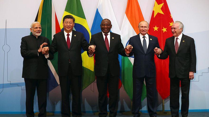Hindistan, Çin, Güney Afrika, Rusya ve Brezilya liderleri BRICS Zirvesi'nde