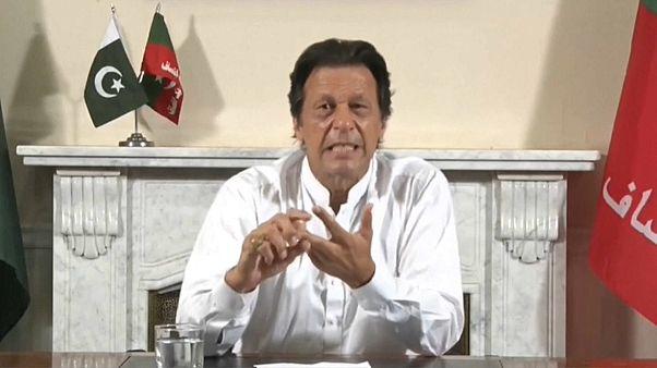 Imran Khan declara vitória em eleições no Paquistão