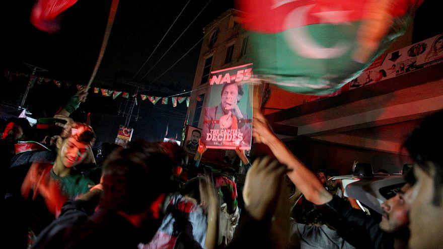 Πακιστάν: Νικητής ο Χαν, αμφισβητεί η αντιπολίτευση