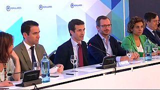 Sonrisas, plantones y amenazas en la presentación de la nueva cúpula del PP