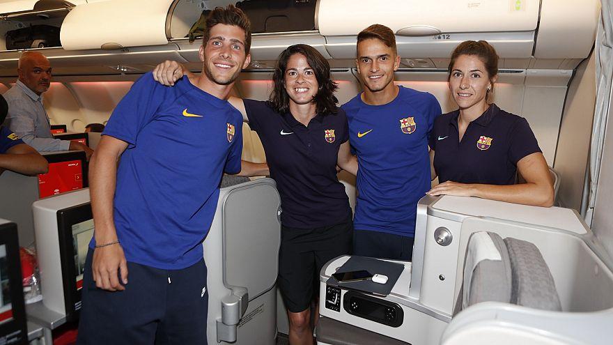 Tournée mista del Barça: calciatori in business, calciatrici in classe turistica