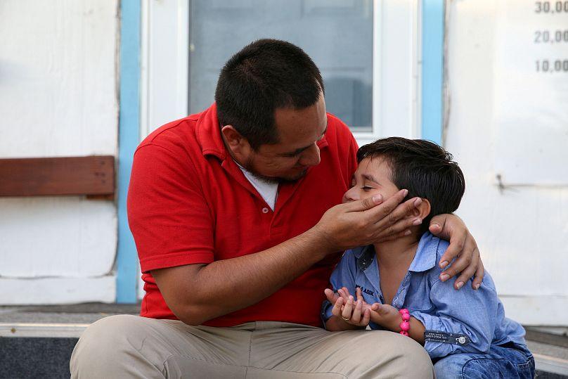 Bimbi migranti abusati in centri Usa, 125 denunce