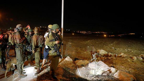 مقتل فلسطيني بالرصاص عقب طعن 3 مستوطنين في الضفة الغربية