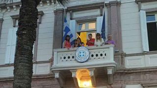 Προξενείο Σμύρνης: Τούρκοι συμπαρίστανται στους πληγέντες των πυρκαγιών
