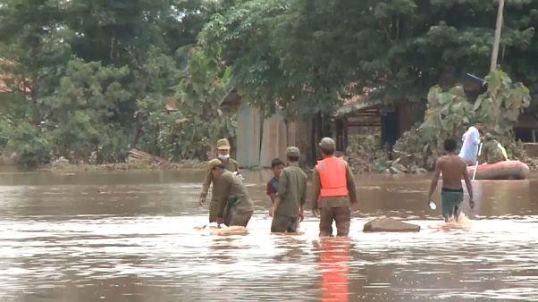 ویدئو؛ نجات کودک از سیل بدنبال شکست سد در لائوس