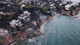 Yunan siyaseti yangın yeri, Başbakan Çipras sorumluluğu üstlendi