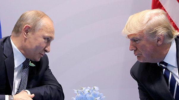 ترامب ينفي معرفته باجتماع ابنه مع الروس ويرحب بدعوة بوتين لزيارة موسكو