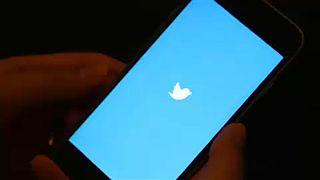 Twitter подешевел