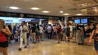 Channel Tunnel rail link sees long delays due to 'extreme heat'