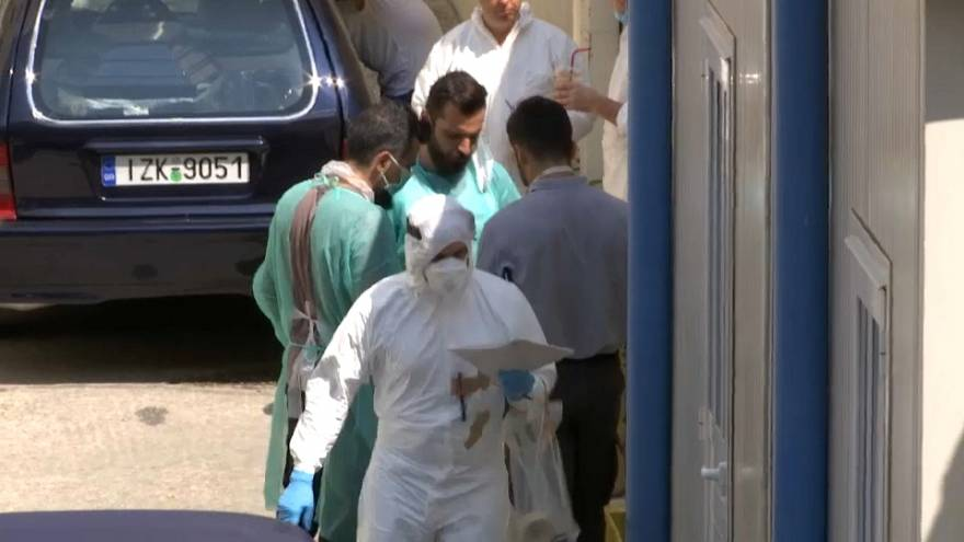 Pruebas de ADN para identificar a las víctimas de los incendios de Grecia