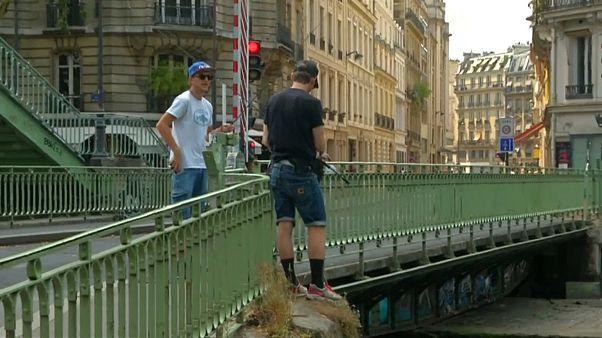 الصيد في شوارع باريس