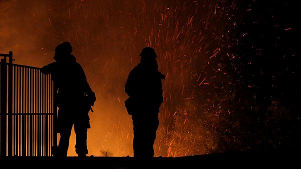 Βόρεια Καλιφόρνια: Δύο πυροσβέστες νεκροί - Άνιση μάχη με τις φλόγες