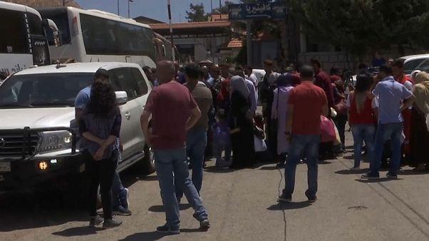 دفعة جديدة من اللاجئين تغادر لبنان عائدة إلى سوريا