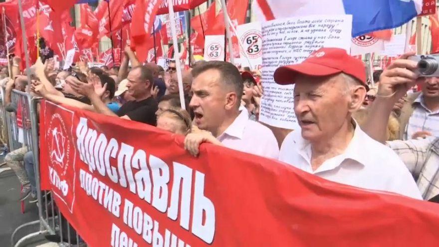 A nyugdíjkorhatár emelése ellen tüntettek Oroszország-szerte