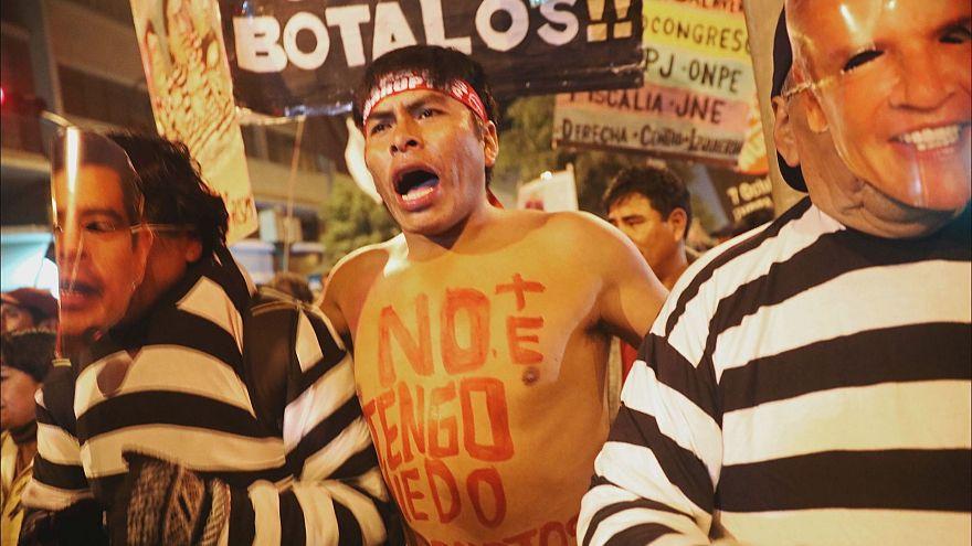 Lima: Tausende demonstrieren gegen Korruption