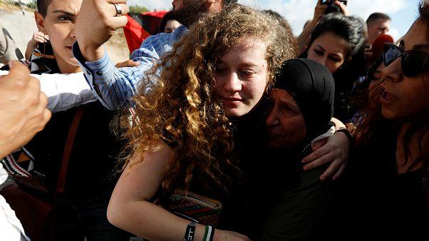 عهد تمیمی پس از ۸ ماه حبس از زندان اسرائیل آزاد شد