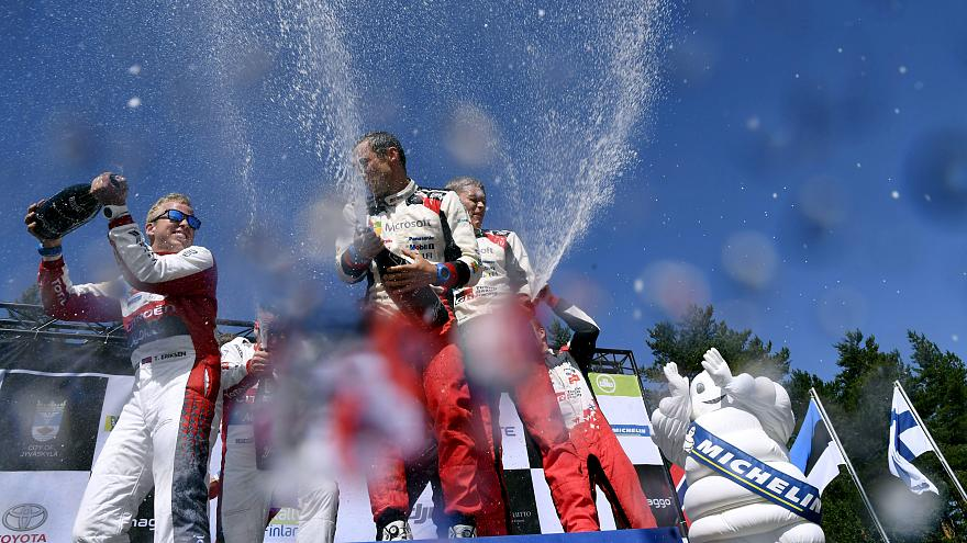 Ott Tanak triunfa no Rali da Finlândia