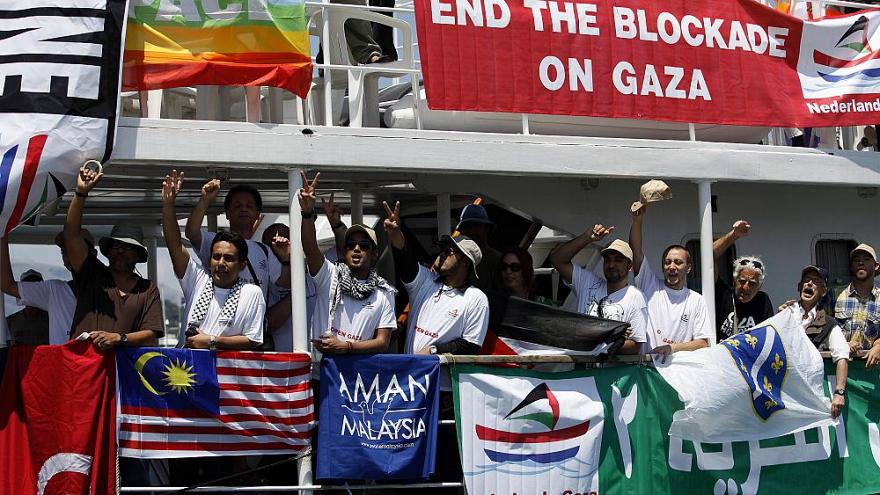 İsrail Gazze'ye tıbbi malzeme taşıyan Özgürlük Filosu'nu durdurdu