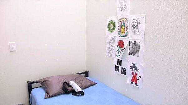 طفلة تتعرض للتحرش الجنسي في مركز لاحتجاز أطفال المهاجرين في تكساس