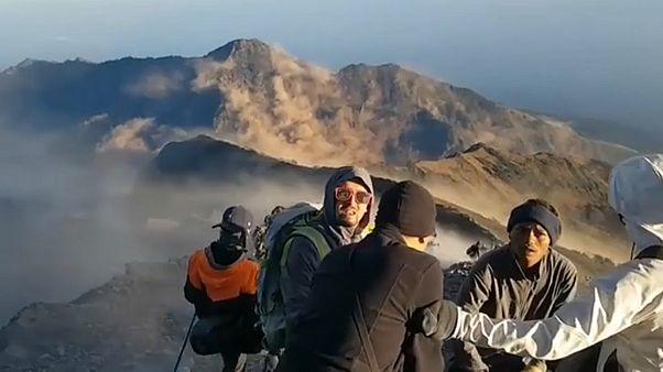 Nach Erdbeben: Wanderer sitzen in Nationalpark fest