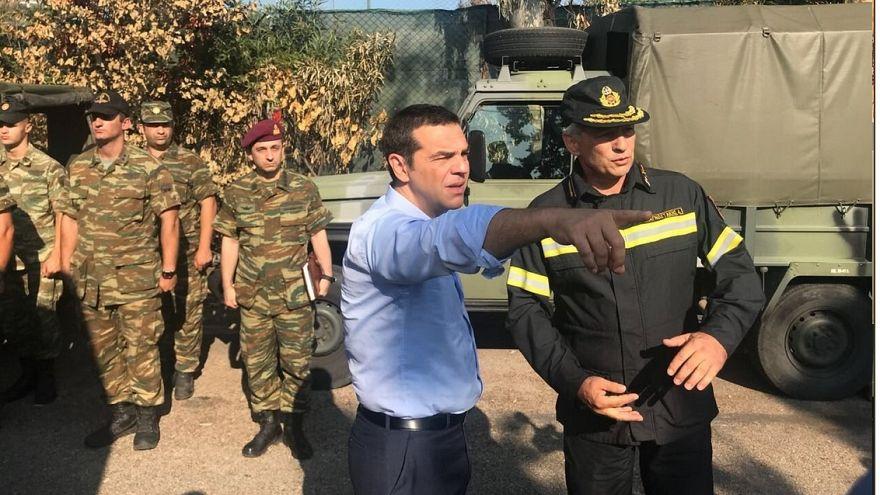 Tsipras visita la zona cero del trágico incendio