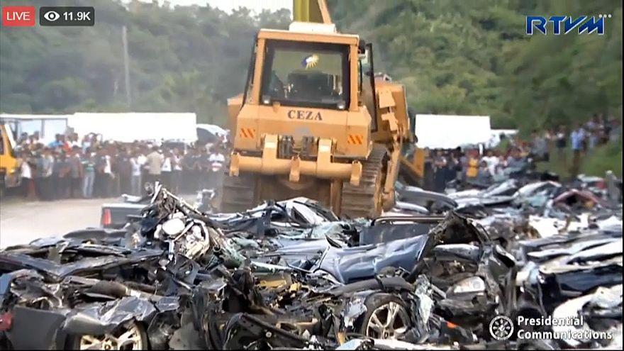 Image result for تدمير عشرات السيارات الفارهة في الفلبين روسيا اليوم