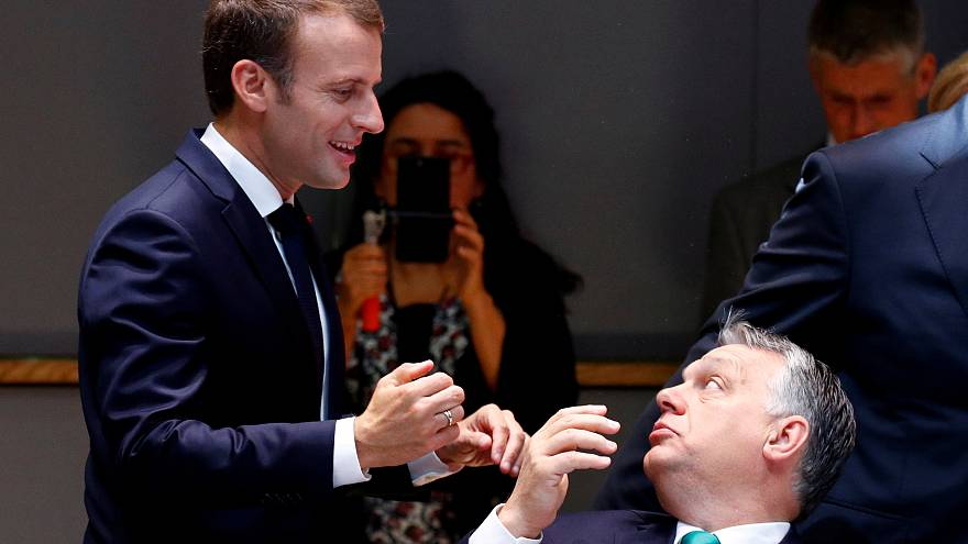 Européennes : le duel Macron-Orban se dessine