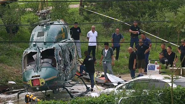 Helicóptero cai na China e todos saem ilesos