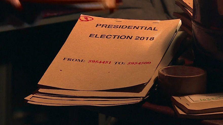 Simbabwe: Warten auf die Wahlergebnisse