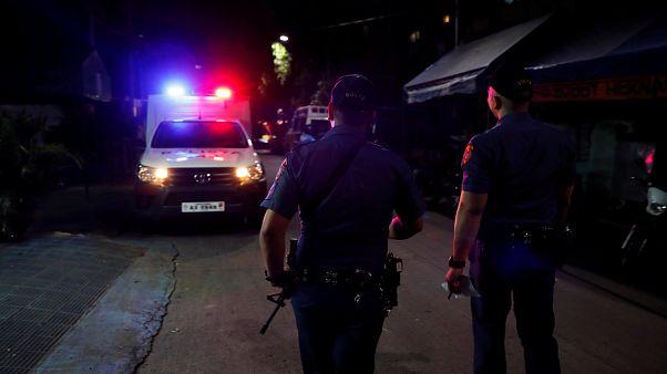 Başkan Duterte'nin barış teklif ettiği Ebu Sayyaf'tan intihar saldırısı: 11 ölü