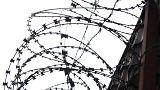 Fransa: Tavandan delik açarak cezaevinden firar eden mahkumlar yakalandı