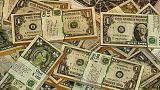 کاهش نسبی بهای دلار و سکه در جوی امنیتی، دستگیری دلالان ارز و اعتصابهای پراکنده