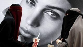 Hak mı suç mu?: Danimarka'da burka ve nikab yasağı protesto edilecek