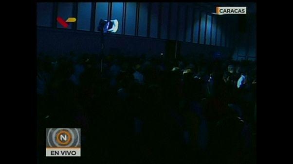 Apagón durante la votación para ratificar a Maduro