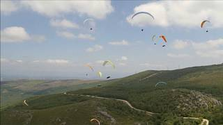 Paragliders fill the skies above Portugal to crown new European Champions