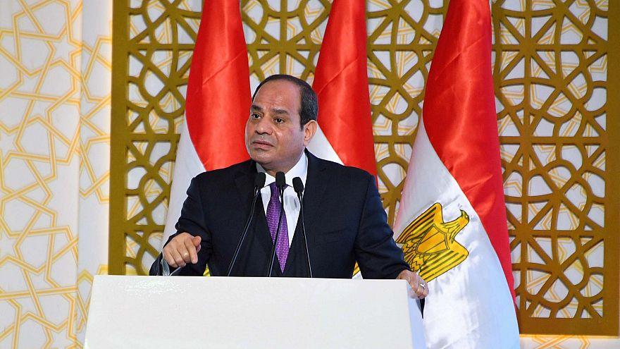 Condenan al autor de una canción contra el presidente de Egipto