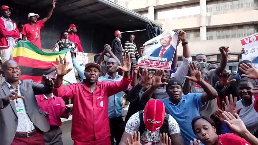 Zimbabué (des)espera pelos resultados das presidenciais