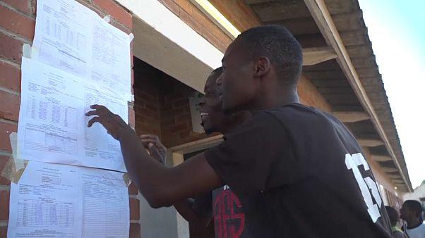 Simbabwe: Gespanntes Warten auf Wahlergebnisse