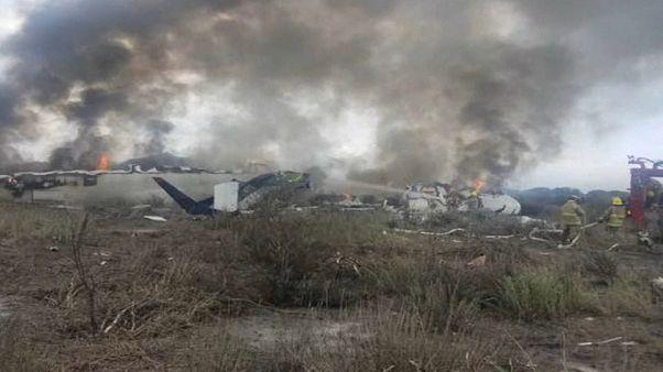 Ningún muerto en el avión estrellado en México