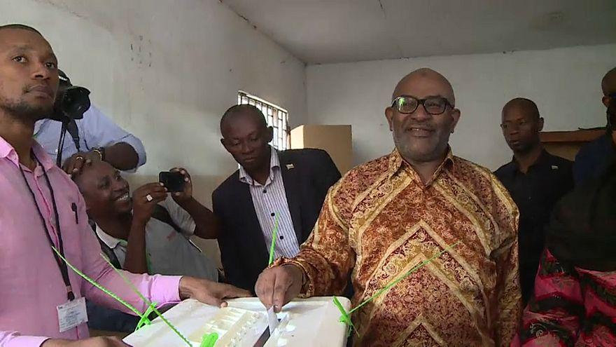 Comores : un référendum adopté, mais largement critiqué