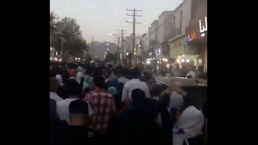 تظاهرات شبانه و درگیری در چند شهر ایران