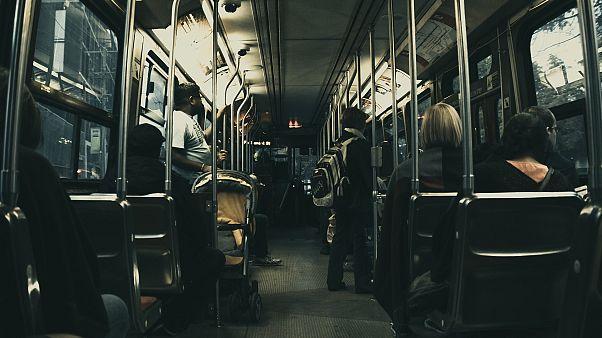 Μια διαδρομή με το μετρό και έχουμε «μαζέψει» όλα τα μικρόβια της πόλης!