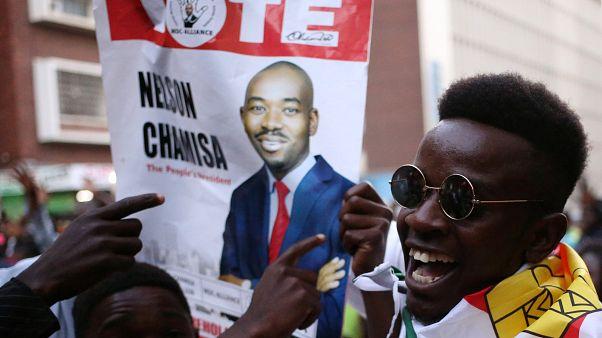 In Simbabwe erreicht Regierungspartei Zanu-PF Zweidrittel der Stimmen