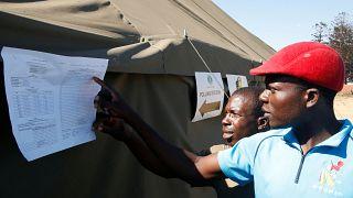 Partido do poder no Zimbabué conquista maioria de dois terços no Parlamento