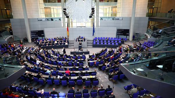 Πράσινο φως από την Bundestag για την τελευταία δανειακή δόση στην Ελλάδα
