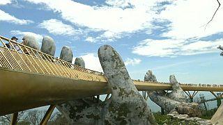 جانب من الجسر الذهبي في فيتنام