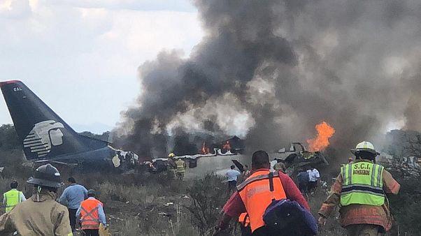Pasajero graba el momento en el que se estrella el avión de Aeroméxico
