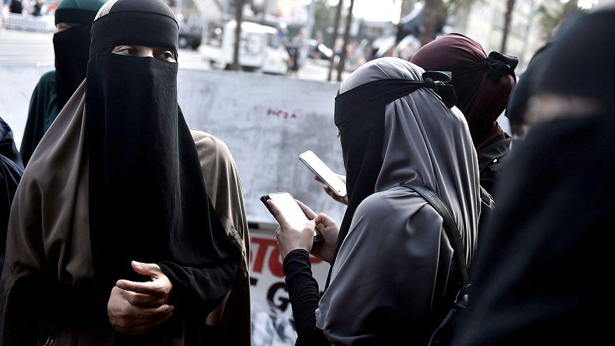 Proibição do véu integral entra em vigor na Dinamarca