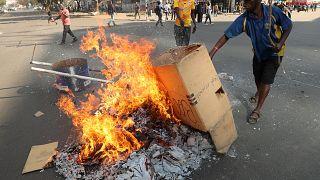 Zimbabwe: violents affrontements entre partisans de l'opposition et forces de l'ordre