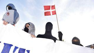جانب من المظاهرة المناهضة لقانون حظر النقاب في الدنمرك